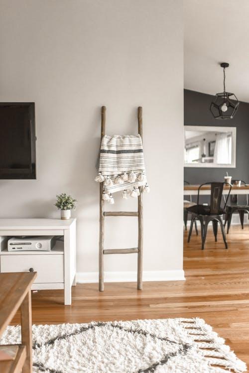 O cameră curată și organizată îți poate îmbunătăți viața